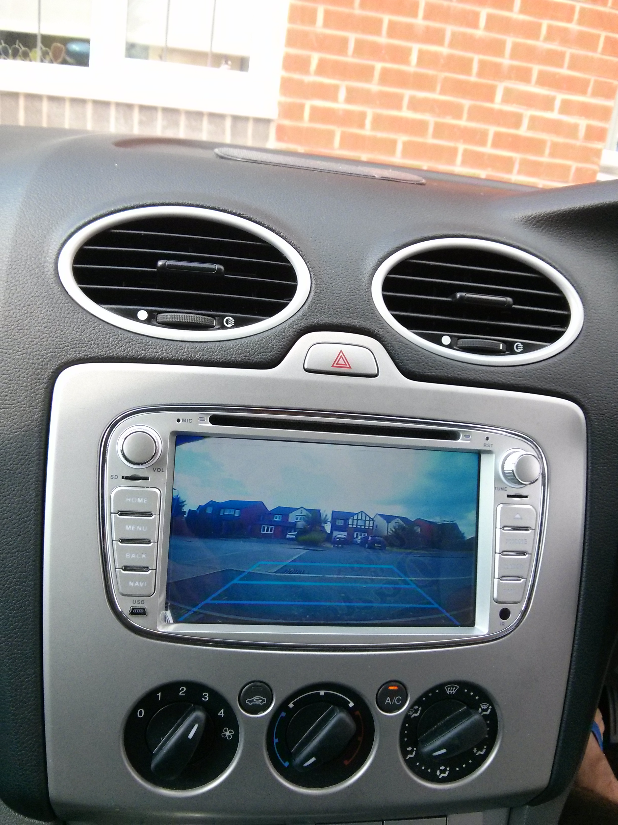 Raspberry pi car computer now with reverse camera